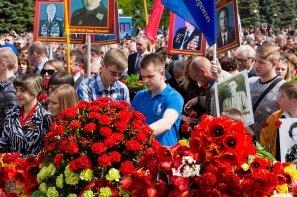 Возложение цветов на мемориале (11).jpg