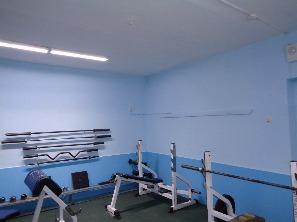 ремонт стен малого зала тяжелой атлетики спорткорпуса
